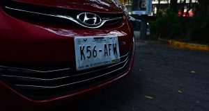 Las placas más recientes con las que autos de la Ciudad de México circulan. Imagen: cuartoscuro.com
