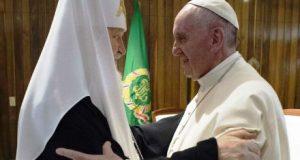 Papa Franciso y patriarca Kiril en Cuba. imagen: Twitter.com/OSS_romano