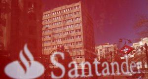 ¿Eres usuario de Santander? /Imagen:Reuters/Juan Medina