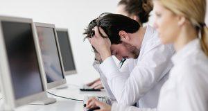 Ser infeliz en tu trabajo puede afectar tu salud mental al cumplir 40 años/Imagen:management.com