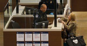 EUA busca hacer legar que se revise las redes sociales de sus visitantes/Imagen:Reuters