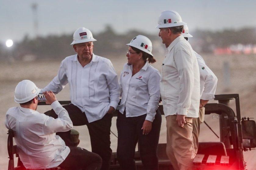 AMLO visita nuevo yacimiento de Pemex en Quesqui