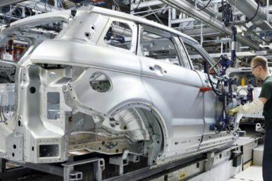 Cambios en el T-MEC complica ratificación e industria de autos