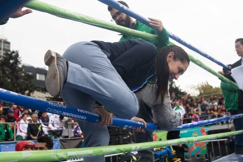Claudia Sheinbaum participa en la Olimpiada Comunitaria de Box