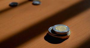 El dólar se fortalece ante el peso y el resto de divisas