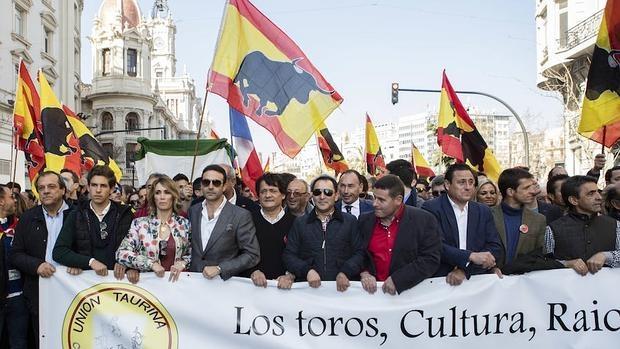 Miles de aficionados en Valencia en defensa de la Tauromaquia.