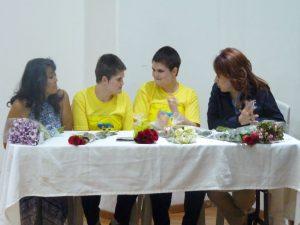 Liliana Pérez Martínez, Andrea y Mariana Menéndez y Laura García Menéndez.
