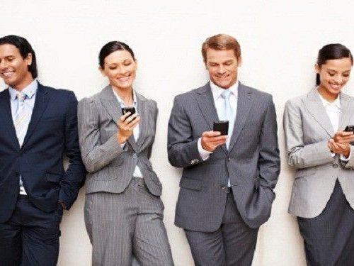 Trabajadores que apagan su smartphone en horario laboral aumentan su productividad/tynmagazine.com