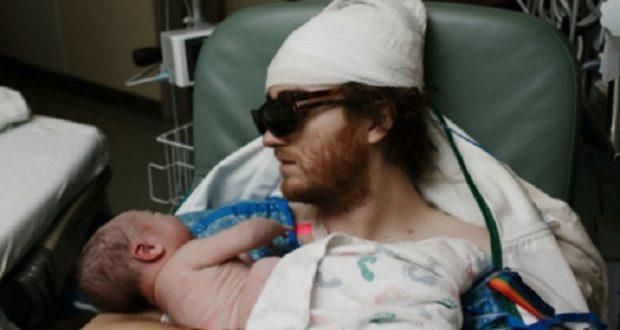 Facebook: sujeto con cáncer conoce a su bebé y se vuelve viral