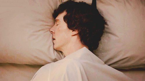 Estudio asegura que la mejor posición para dormir es de costado/bbc.com