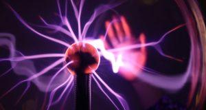 Un joven recibió una descarga de un millón de voltios.