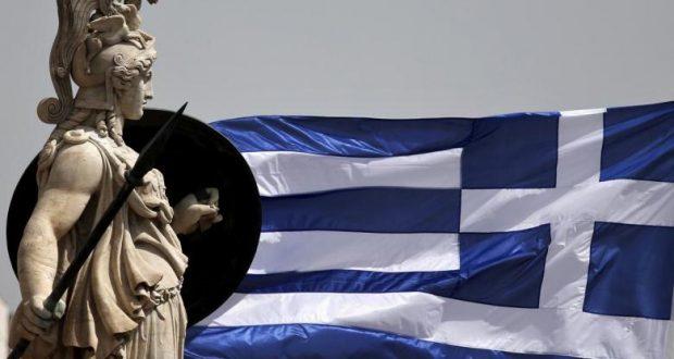 Parlamento griego da plantón a acreedores y apoya paga extra a pensionistas