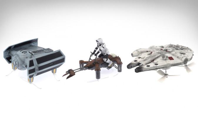 Drones en forma de Millennium Falcon, una X-Wing, y una Speeder Bike