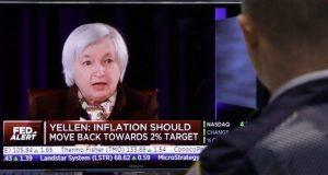 Personal del Comité Federal del Mercado Abierto de la Fed (FOMC, por su sigla en inglés), han señalado que el nuevo juego de las tasas de interés de este 2017 será conforme al comportamiento de la inflación. De igual manera, han destacado que se encuentran preocupados por el impacto que tendrán las políticas fiscal y económica del gobierno entrante de Donald Trump sobre el PIB.