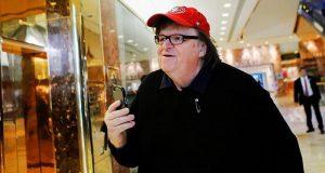 Michael Moore lanza nueva predicción sobre Trump
