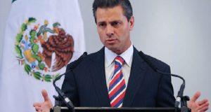Se acabó el dinero petrolero, dice Peña al presentar plan de prestaciones sociales