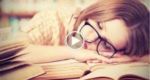 Razón por la que se tiene sueño mientras se lee