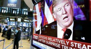 Los inversionistas de las Bolsas de Valores al rededor del mundo se mantuvieron cautelosos frente a la llegada de Trump a la presidencia de Estados Unidos. El peso mexicano, la divisa más afectada desde la elección del republicano registró una ligera recuperación.