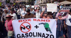 """Miles de mexicanos salen a las calles para protestar contra el """"gasolinazo"""""""