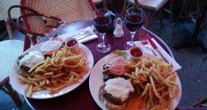 Estudios modernos confirman que la ingesta de alcohol estimula agudamente la comida y se correlaciona con la obesidad