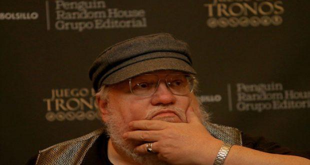 """El escritor George R.R. Martin espera que la sexta entrega de la saga """"Canción de hielo y fuego"""", en la que se basa la exitosa serie de televisión Game of Thrones, se publique este año."""