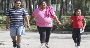 Para bajar de peso, se necesita de una dieta equilibrada, actividad física y en ocasiones de la ayuda de un psicólogo y psiquiatra de acuerdo al doctor Juan Pablo Méndez Blanco.