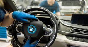 BMW reitera inversión en México pese amenazas de Donald Trump. La tensión entre las automotrices y Donald Trump continúan en torno a la decisión de dónde invertir. Sin embargo, a pesar de las amenazas, BMW reitera inversión en México.