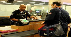 ¿Qué pueden pedir los agentes de migración de EEUU?