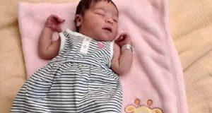Una bebé de 5 meses muere en su cuna tras la sobredosis de sus padres