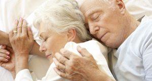 Advierten que dormir más de nueve horas diarias podría aumentar el riesgo de padecer Alzheimer