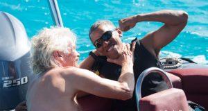 El magante inglés Richard Branson lanzó un reto a Barack Obama durante sus vacaciones por Islas Vírgenes. El ex presidente demostró su habilidad en los deportes acuáticos y derrotó a Branson quién compartió el video de la competencia.