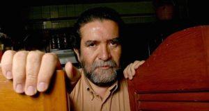 Eusebio Ruvalcaba muere a los 65 años: Legado y biografía. México está de luto por el lamentable fallecimiento del músico y escritor Eusebio Ruvalcaba, quién deja un gran legado en la cultura hispana.