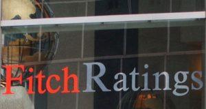 Fitch Ratings advirtió que la actitud y las políticas del primer mandatario estadounidense, Donald Trump, representan un gran riesgo para la economía mundial y añadió que las medidas de la Casa Blanca podrían alterar el comportamiento del comercio internacional y reducir el flujo de capitales. En un comunicado, la calificadora indicó, además, que la administración de Donald Trump representa un riesgo para las relaciones diplomáticas globales en línea a la retórica que ha adoptado para garantizar el cumplimiento de sus promesas de campaña.