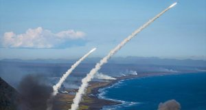 Corea del Norte lanza misiles balísticos. Incrementa amenazas de guerra contra Estados Unidos.