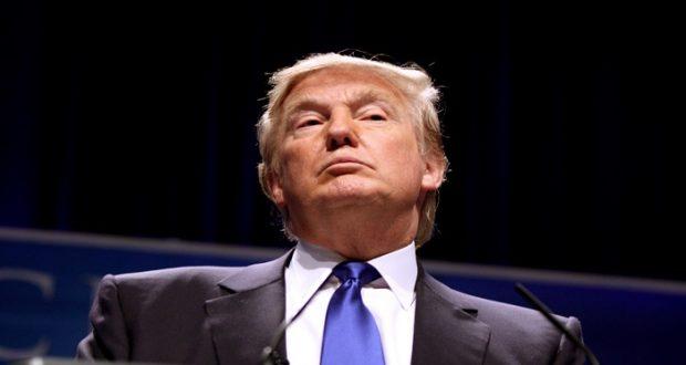 """Trump defiende su """"derecho"""" a compartir información con Rusia"""