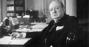 Encuentran un ensayo inédito de Winston Churchill sobre la vida extraterrestre/