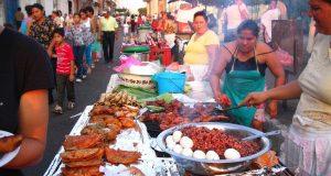 Consumir alimentos vendidos en la calle es un factor para aumentar de peso