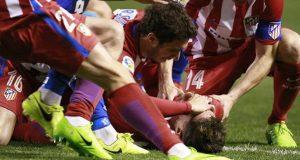 Fernando Torres fuera de peligro después de sufrir convulsiones durante un partido de fútbol