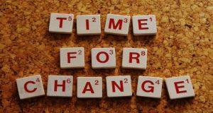 El miedo a los cambios es una reacción natural provocada por la incertidumbre que genera el enfrentarse a algo nuevo o desconocido.