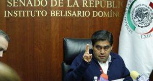 Miguel Barbosa oficializa su renuncia al PRD para apoyar a López Obrador