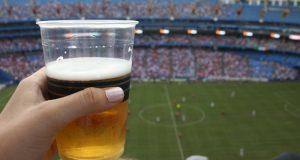 Diputada propone eliminar la venta de alcohol en los estadios de fútbol