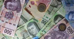 La economía está en pie de lucha contra presiones internas y factores externos