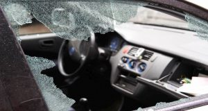 Encontrarse con esta situación le puede suceder a cualquier persona, por eso conoce los pasos a seguir en caso de que tu auto sea robado.
