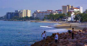 Considerado como una de las joyas del Pacífico mexicano, Puerto Vallarta ofrece sol, playa y cultura a los visitantes de todo el mundo.