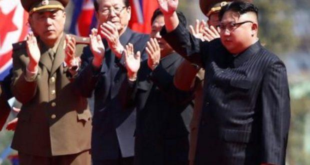 China levanta alerta de guerra irreversible en península coreana China busca evitar a toda cosa el inicio de una guerra en la península coreana, e hizo un llamado a buscar alternativas antes de que el conflicto alcance niveles irreversibles. En un mensaje alarmante, enviado en un momento te suma tensión entre Corea del Norte y Estados Unidos, el ministro de Relaciones Exteriores chino, Wang Yi, llamó a todas las partes a no enviar mayores provocaciones para evitar llegar a una etapa irreversible.