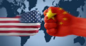Corea del norte y Estados Unidos noticias actuales: China se inclina a favor de EU ¿Se está inclinando China a favor de Estados Unidos en guerra contra Corea del Norte?. Los últimos acontecimientos podrían indicar que es así. Al parecer la paciencia de China está rozando el límite en cuanto a las prácticas nucleares de su socio y vecino Corea del Norte. Sus más reciente declaraciones a favor de las medidas de Estados Unidos podrían dar muestra de una leve inclinación de la balanza contra Pyongyang. Un día después de que el viceministro de Relaciones Exteriores de Corea del Norte dijera que Pyongyang probaría misiles semanalmente y usaría armas nucleares si eran amenazados, el Ministerio de Relaciones Exteriores de China expresó su preocupación y elogió las recientes declaraciones de Estados Unidos sobre la cuestión norcoreana.