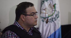 Delitos de Javier Duarte se castigan con hasta 55 años en prisión: PGR La solicitud formal para la extradición de Javier Duarte será presentada a finales de abril. De encontrarse culpable, podría estar hasta 55 años en prisión. El subprocurador Jurídico y de Asuntos Internacionales de la PGR, Alberto Elías Beltrán, señaló que la revisión de documentos para cumplir con la solicitud formal de extradición en contra del ex gobernador de Veracruz, Javier Duarte de Ochoa, podrían concluirse la próxima semana y presentarse ante las autoridades de Guatemala.