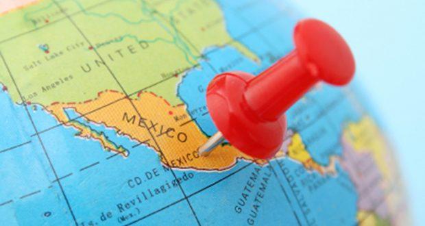 """Condición de la economía mexicana muestra la realidad fragmentada del país México dejó de ser un país económicamente dividido en dos hemisferios, fragmentado en al menos cuatro zonas por la deuda y la productividad laboral. Ciudad de México.- La disparidad regional en México ha dejado de ser dividida por sus condiciones económicas en norte y sur, y el territorio se ha visto fragmentado en cuatro zonas por las condiciones de deuda y la productividad laboral, destacó el observatorio 'México ¿cómo vamos?'. En su reporte, 'México ¿cómo vamos?' advirtió que actualmente existen """"muchos Méxicos"""" que se han visto fragmentados por la disparidad de las condiciones económicas, destacando las existencia de las zonas del norte, centro norte y occidente, centro sur y oriente y la zona sur."""
