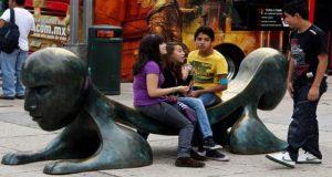"""La Organización Internacional del Trabajo señaló que en América Latina No hay programas eficientes para ayudar a los jóvenes """"ninis""""."""