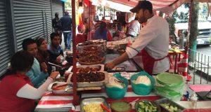 Especialistas alertan de consumir alimentos preparados en la calle ya que provoca un aumento de peso